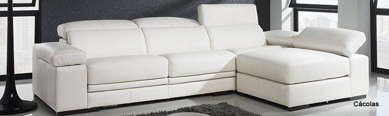sofá de tres plazas y chaislonge en piel