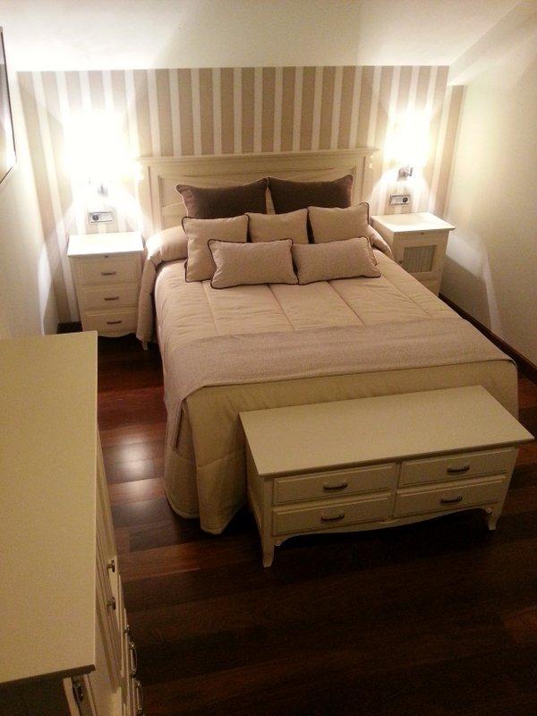 Detalle de decoración integral de habitación.
