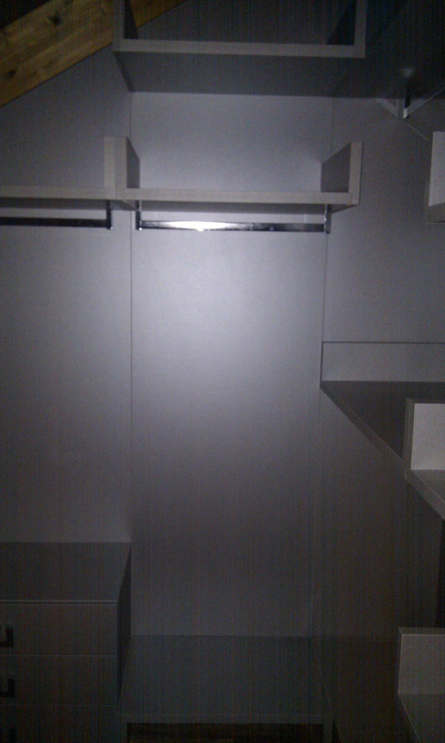Interior armario vestidor, hecho a medida