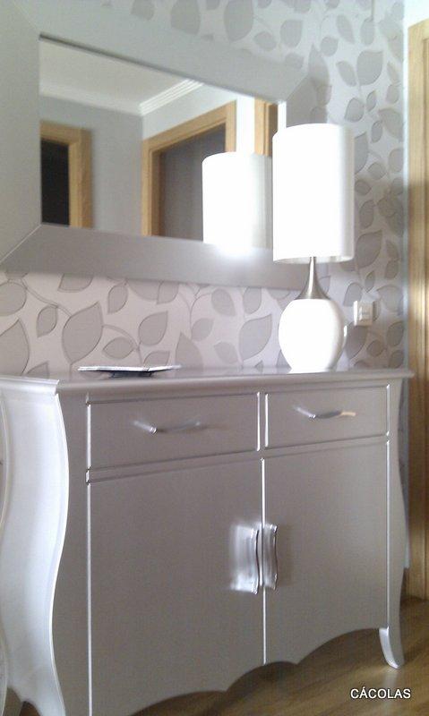 Piso en la calzada - Papel pintado blanco y plata ...