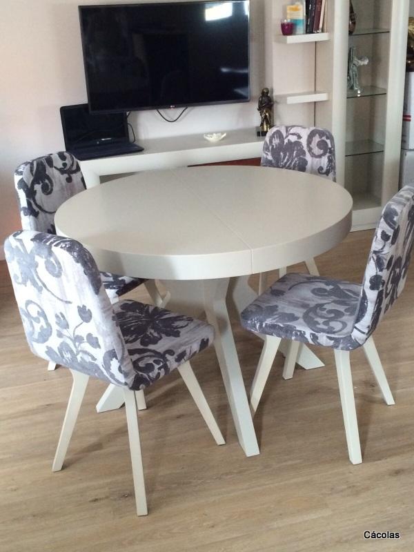 Detalle sillas tapizadas con tela Aquaclean.
