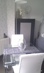 Mesa de cristal de 90*80 extensible, con pata cromada.